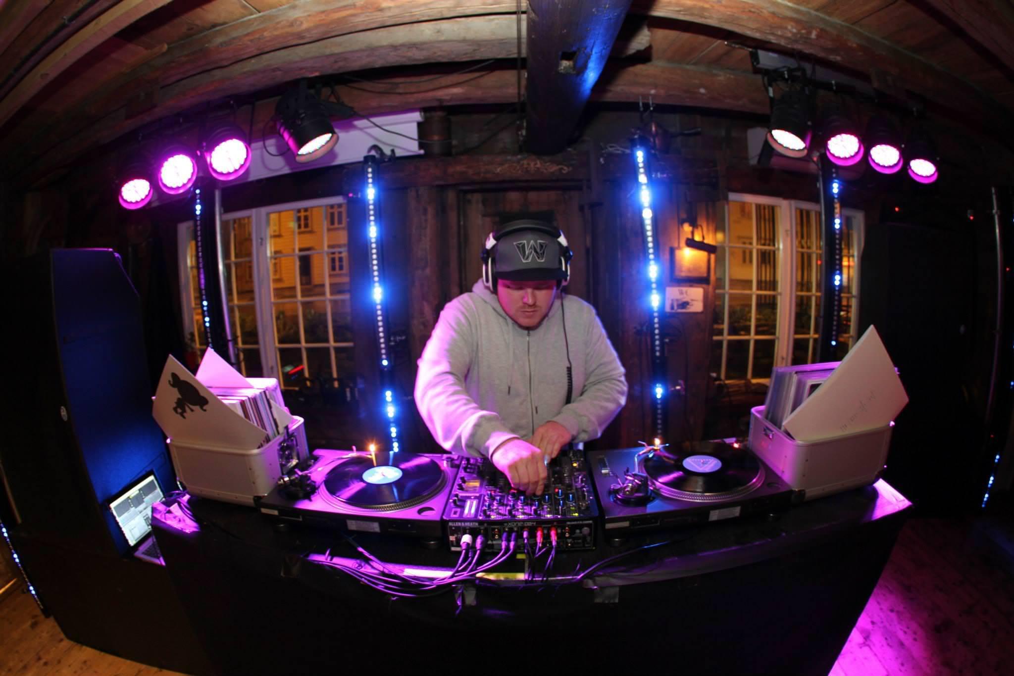 DJ pakken